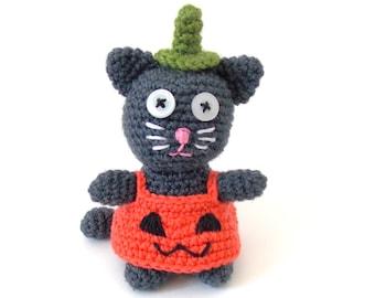 Halloween Cat in Pumpkin Costume PDF Crochet Pattern