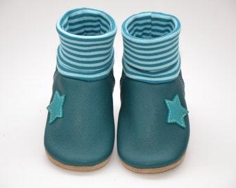Crawling shoes