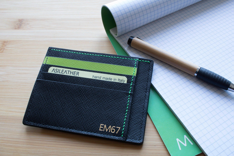 Porta carte di credito nero/verde 11 tasche in pelle saffiano. Portafogli sottile. Ottima idea regalo uomo donna personalizzato con iniziali