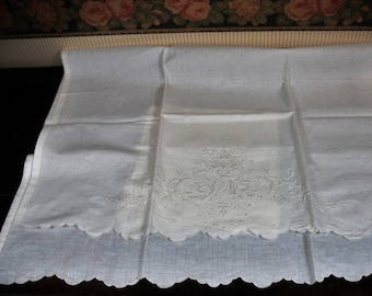 Pair linen towels early 900. Hand embroidered.