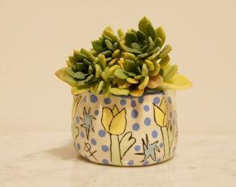 Garden Clay Pot- Buttercup Yellow Tulip