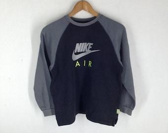 bd5595cf608d18 Vintage Nike Air Max crewneck sweatshirt jumper embroidery Big logo pullover    sports brand   streetwear   Medium size