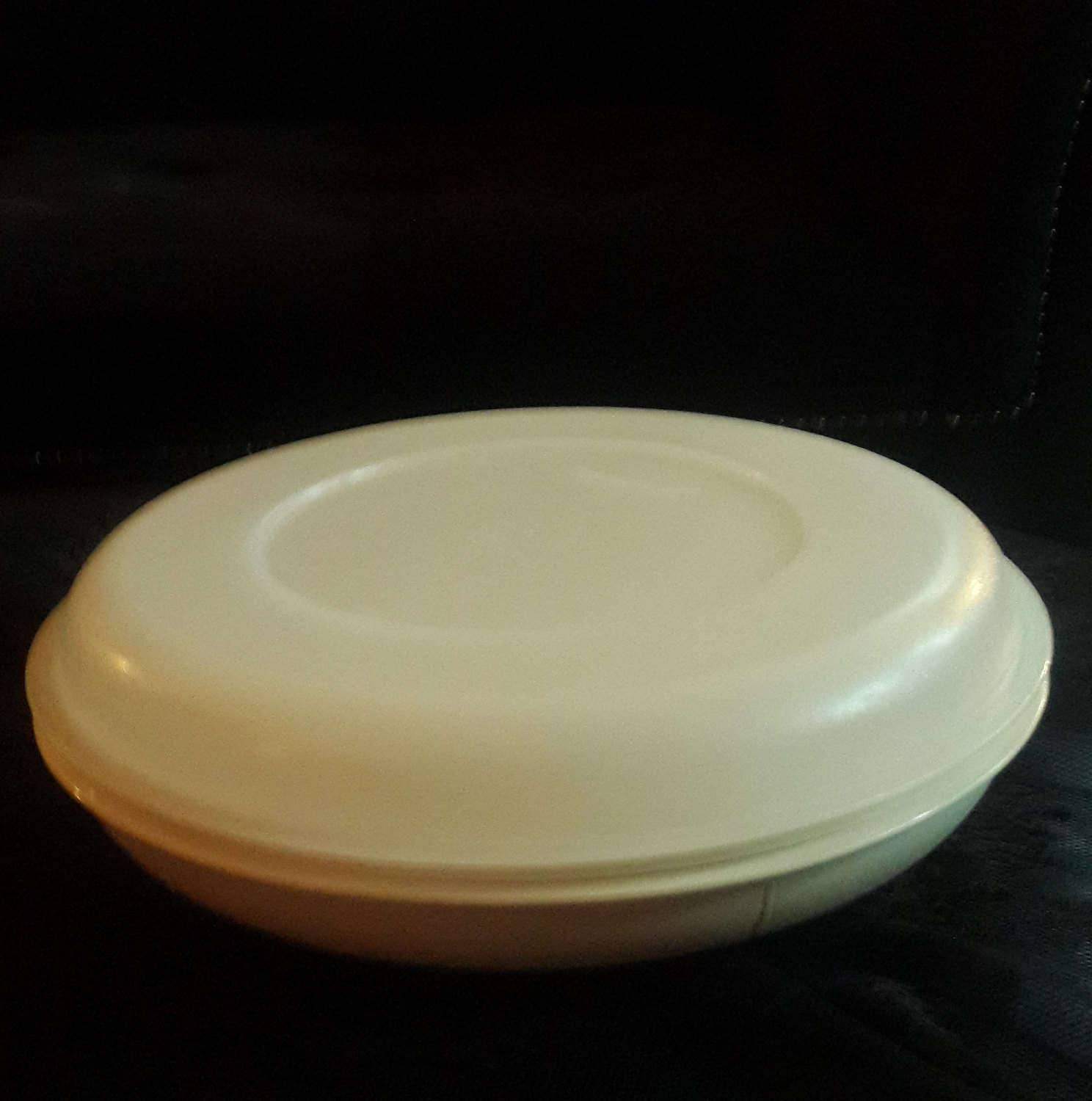 Sectioned Tupperware: Vintage Tupperware Divided Serving Dish With Lid 1708 And