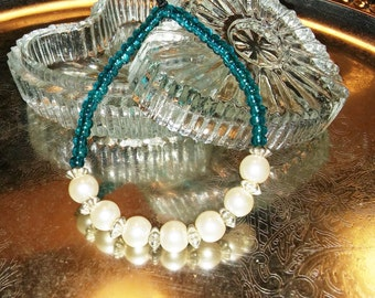 Stand-Out Pearls Beaded Bracelet, Handmade