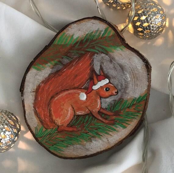 Christmas Squirrel.Wood Slice Squirrel Christmas Decoration