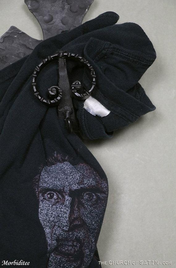 Dracula horror movie t-shirt, vintage vampire tee… - image 4