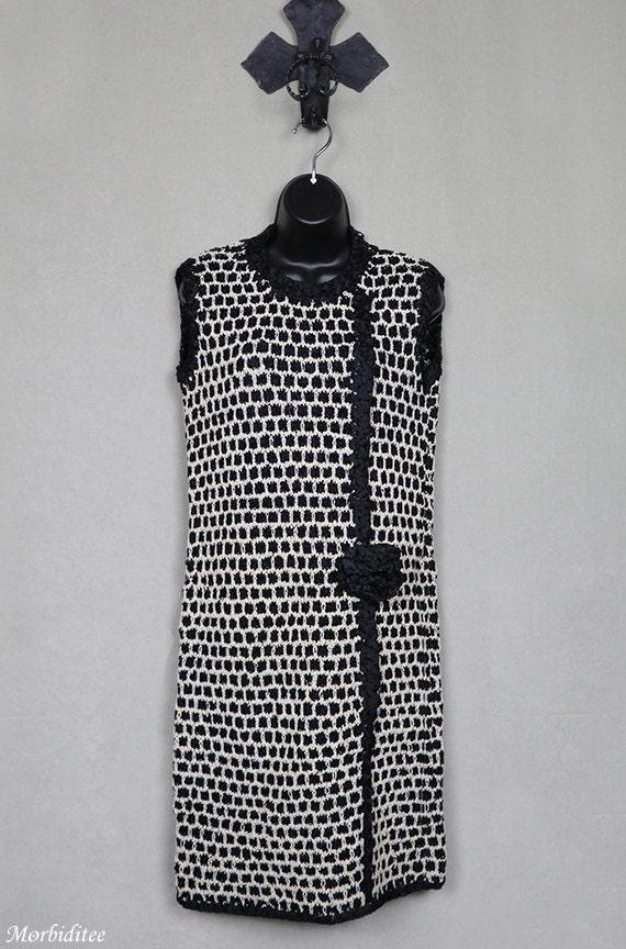 Knit flapper style dress, ribbon trimmed, mod, sle