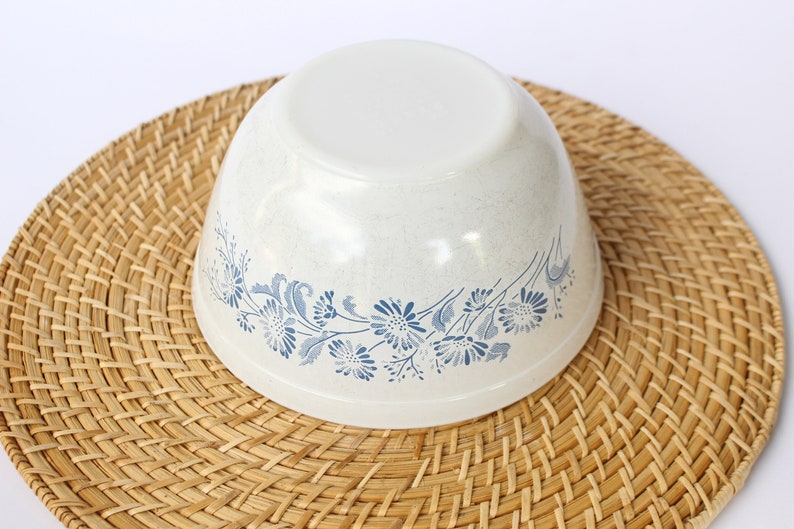 Pyrex Colonial Mist Mixing Bowl  White Colonial Mist 402 Mixing Bowl  Pyrex Nesting Mixing Bowl  White Lace  Opal Pyrex  French Daisy