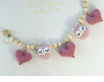 Owl hearts baby stroller mobile, stroller chain, stroller toy, pram chain, pram toy, string toy, baby rattle, crochet owl, kinderwagenkette