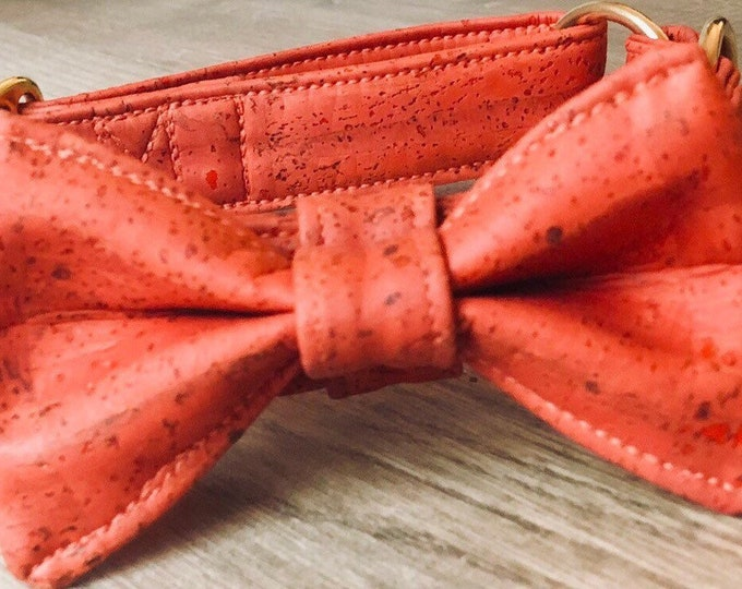 Dog Collar, Red, vegan, with fly 59,00 Euro, without Fly 39,00Euro,adjustable