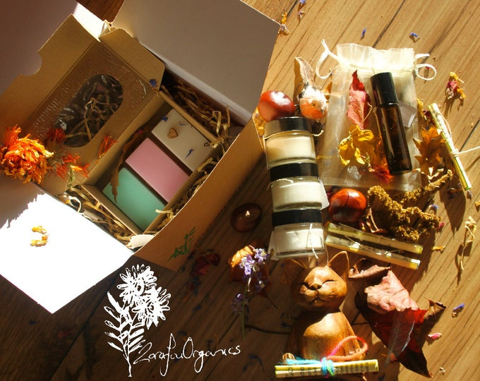 Gift box contains 5 organic products, body butter, face cream, deodorant, essence & shampoo soap bars