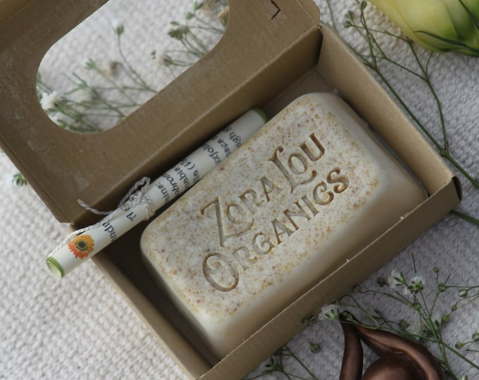 Organic exfoliating & nourishing soap bar with warm, creamy Sandalwood, sweet, musky Vanilla and organic oatmeal (Handmade)
