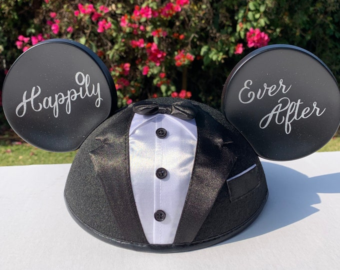 NEW Personalized  Mickey Mouse Groom Ear Hat