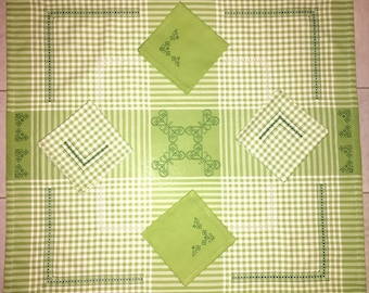 Placecloth + 4 Butterflies Butterfly napkins (Tablecloth + 4 napkins)