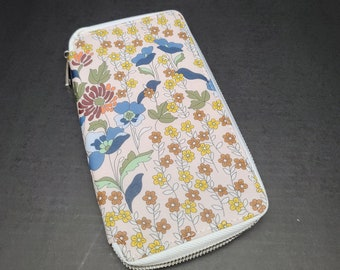 Hobonichi Weeks | Mega Cover Zippered Wallet Style Cloth + Faux Leather Floral Print - Blue Yellow Flowers