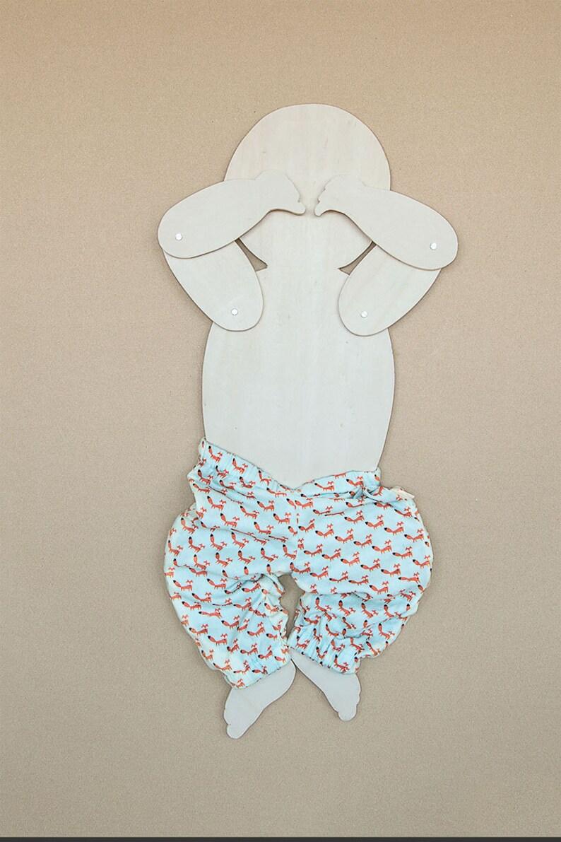 tutorial 56-68-80 zelf maken geboorte cadeau, Babybroekje patroon in 3 maten kraam cadeau