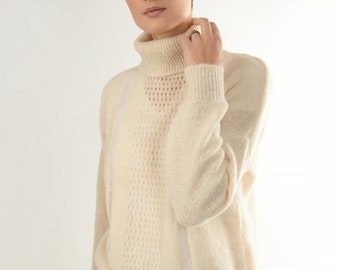 Alpaca sweater - Turtleneck sweater - white woman bomber - oversized woolly - stingray sweater - bridal sweater - Christmas gift