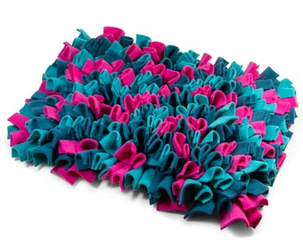 SNUFFLE mat for DOGS fuchsia, teal (no.3)
