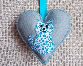 Handmade cat decoration, grey felt heart door hanging decoration