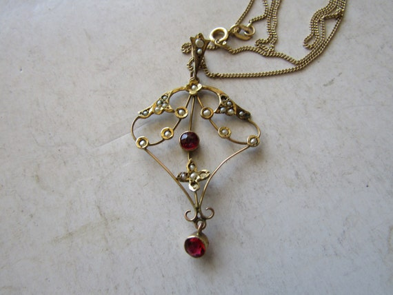 Garnet-Pearl Gold Necklace