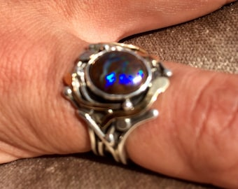 Stunning Boulder Opal from Australia, flamboyant, gold and silver ring, size 59