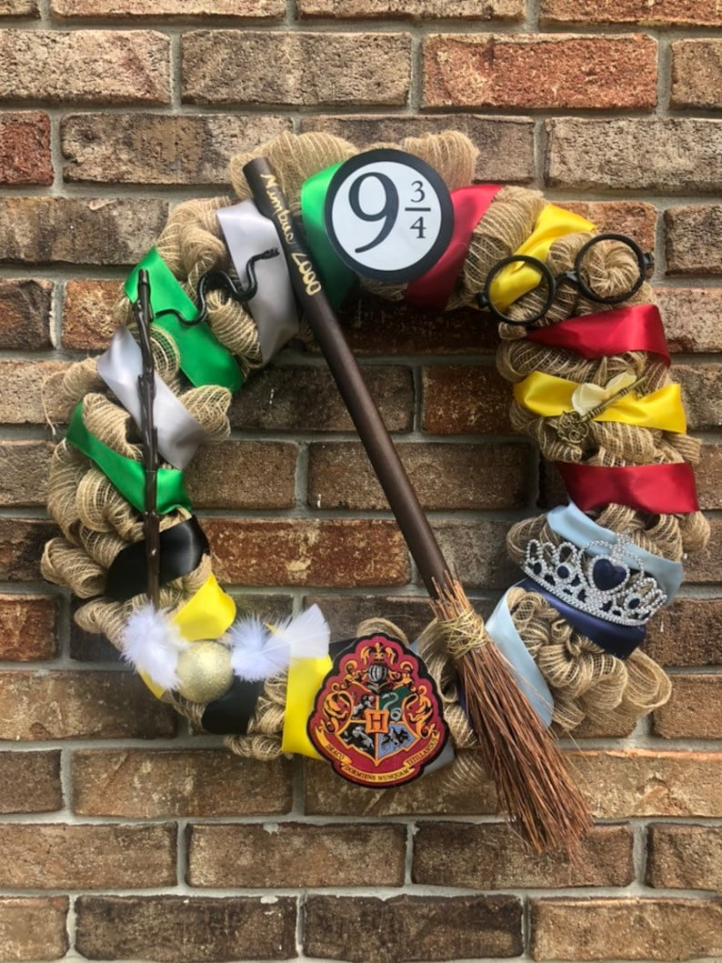 Harry Potter All Four Houses Wreath Gryffindor Slytherin image 0