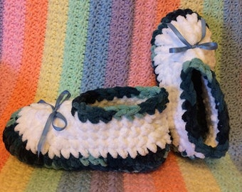 Softest Chenille Crochet Slippers Any Size, Any Color. Custom made to Order. Please specify secondary color in convo.