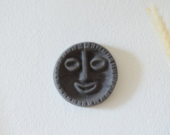 Wall mask SOLEIL wall plate face of clay - black