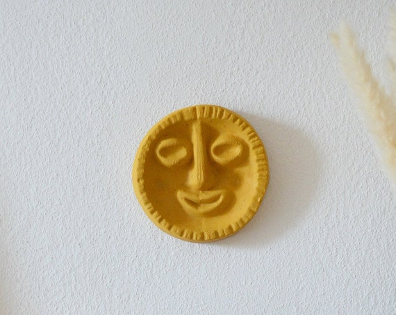 Wall mask SOLEIL wall plate face of clay - ochre-yellow