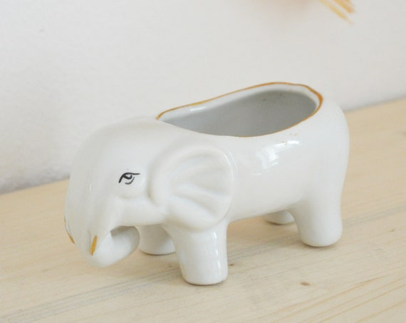 Vintage flower pot elephant ceramic white gold boho planter
