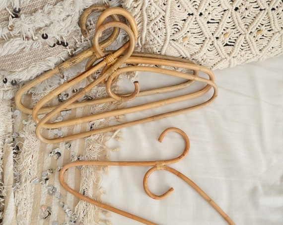 Set of 4 vintage hangers made of bamboo