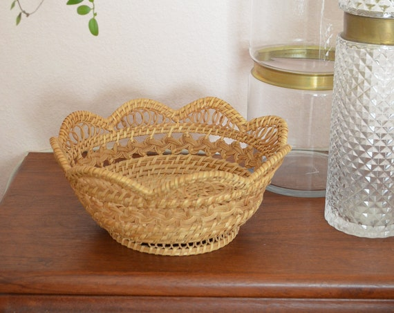 Vintage rattan fruit bowl basket bowl vintage wrapper fruit basket round