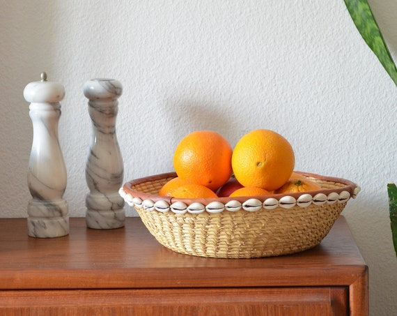 Vintage Rattan fruit bowl with mussels basket bowl vintage wrap fruit basket round