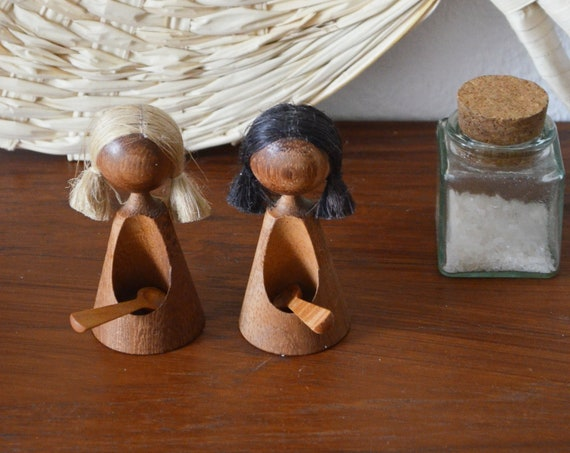 Vintage GDR Salt Shaker Pepper Shaker Set Dolls Women Wooden Dolls Dolls