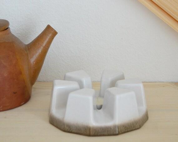 Stövchen stoneware beige / brown speckled vintage