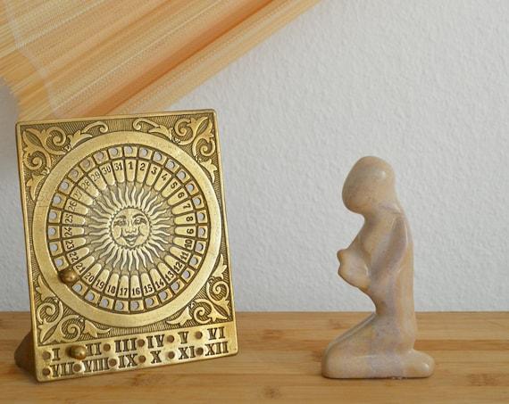 Vintage perpetual calendar in brass, table calendar sun, calender sun brass