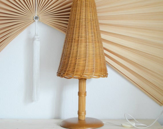 Vintage table lamp in rattan & wood mid century table lamp
