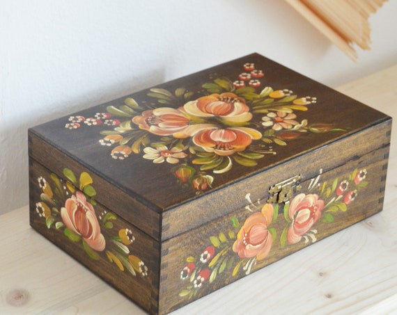 Hand-painted / carved wooden box casket floral jewelry box boheme