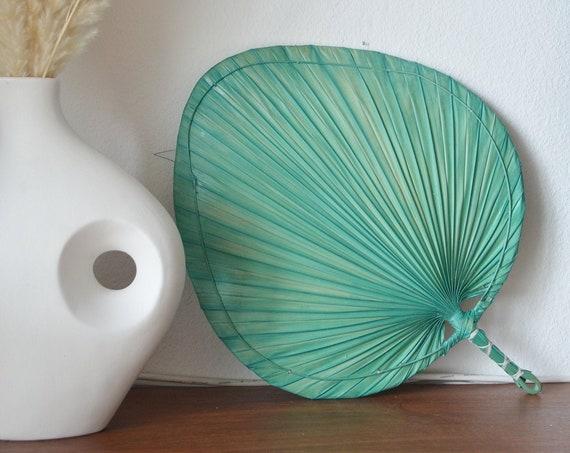 Vintage palm frond hand fan rattan boho boheme green 50 cm tall
