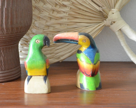 Set of 2 vintage toucan and parrot birds from balsa wood hand painted boho bohemian home décor