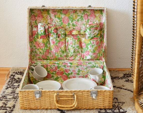 Rattan picnic suitcase set of harness napkins flower basket vintage boho