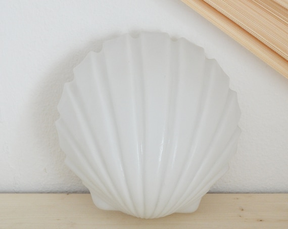 Shell wall lamp glass white vintage lamp