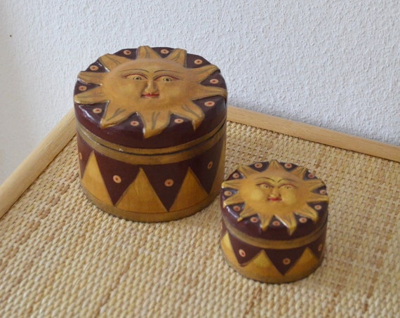 Set of 2 cans with lid casket sun made of wood