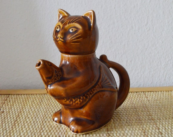 Vintage jug cat with fish - carafe 1960s brown home décor mid century