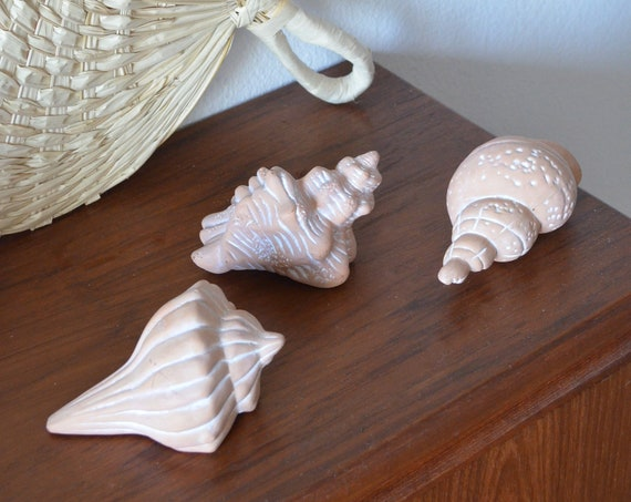Terracotta Set Shell Figurine