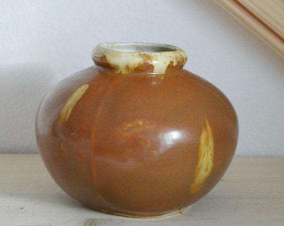 Mid century vase brown beige handmade round circle