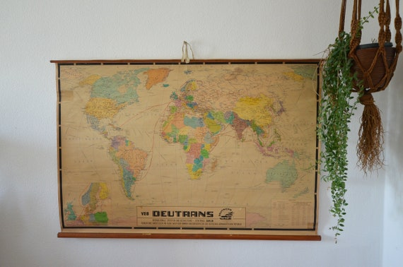 Old School Map World Map Vintage with Wood 125 x 85 cm