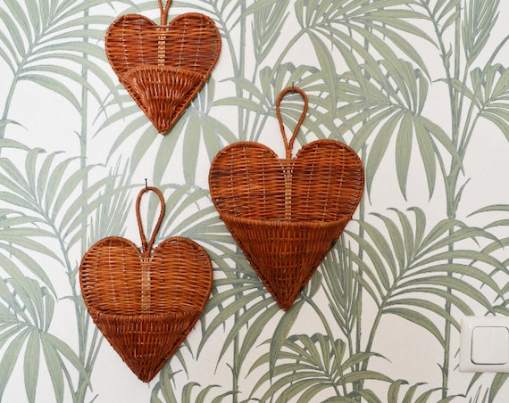 Set of 3 rattan wall Baskets Wall planter air plant wicker wall Basket Heart Bag bag vintage