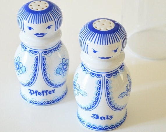 Vintage DDR face white blue salt Shaker pepper Shaker Set Ceramic
