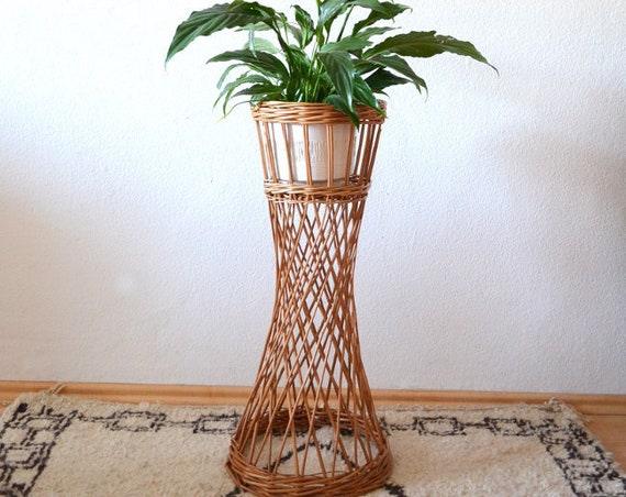 High Rattan Plant Stand Stand 70s Wicker boho Vintage home decor